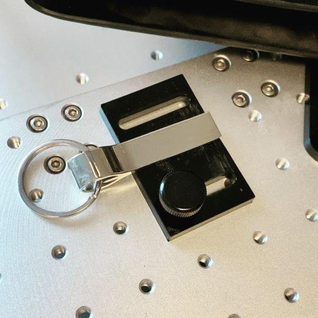 Lasergravur auf Metall @keyboo.at  #gravur #gravieren #lasergravur #geschenk #schlüsselanhänger #wunschgravur #anhängermitnamen #sowirdsgemacht