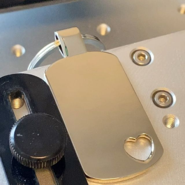 Lasergravur auf Schlüsselanhänger  #gravur #gravieren #lasergravur #laserangraving #lasermarking #schlüsselanhänger #keychain @keyboo.at @gravuro.at