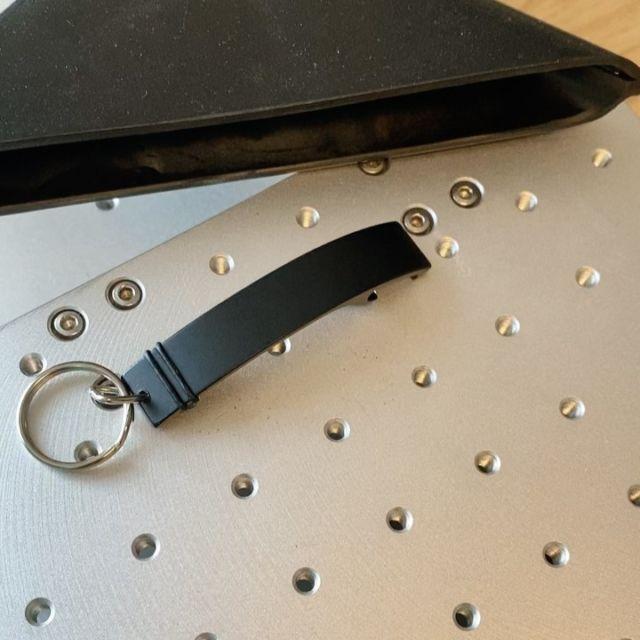 Praktischer und moderner Schlüsselanhänger mit Wunschgravur.  #flaschenöffner #bieröffner #gravur #geschenk #schlüsselanhänger #geschenkideen #giveaway #giveaways #werbegeschenk #lasergravur #personalisiertegeschenke @lasertexx