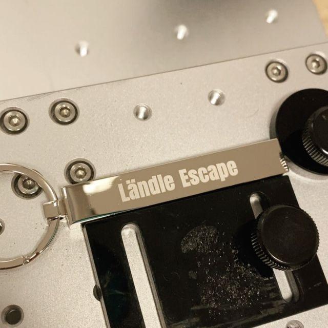 Lasergravur auf Schlüsselanhänger @keyboo.at  #wunschgravur #gravur #lasergravur #schlüsselanhänger #giveaways #werbegeschenke #geschenk #geschenkideen #schlüsselbund #zimmer #escaperoom #laendleescape