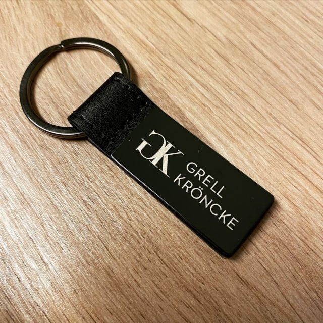 Schlüsselanhänger mit Gravur als Geschenk oder Giveaway.  #wunschgravur #gravur #lasergravur #schlüsselanhänger #werbegeschenk #giveaway @lasertexx